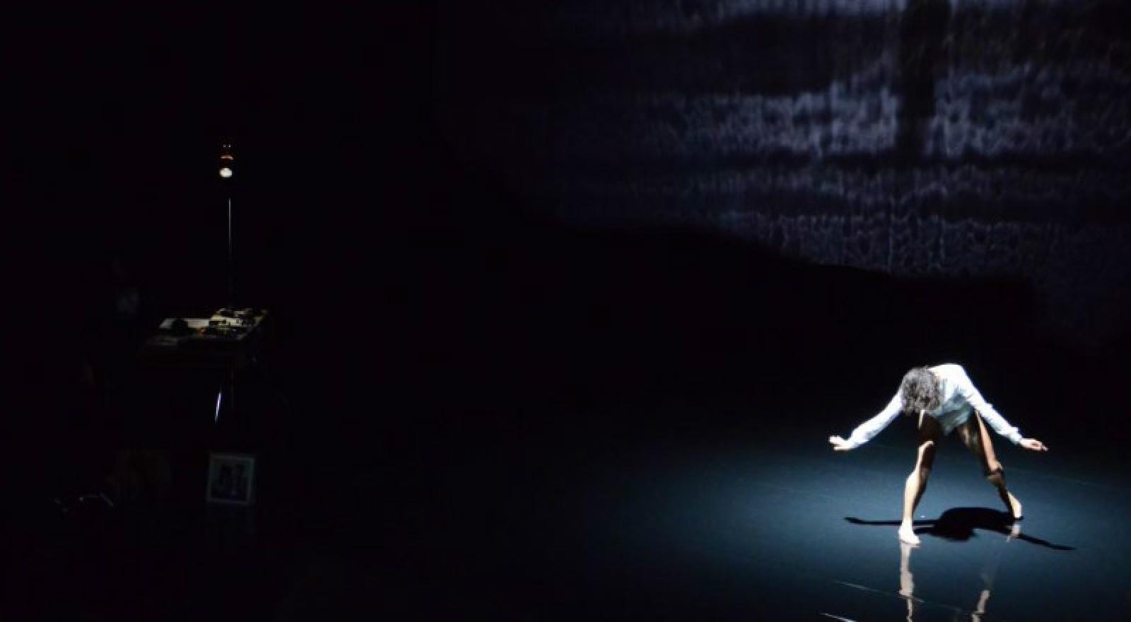 Lisbeth Gruwez dances Bob Dylan